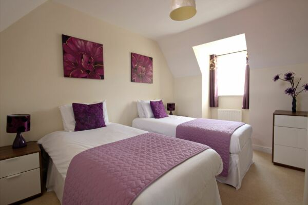 Twin Bedroom, Osprey Avenue Serviced Apartments, Bracknell