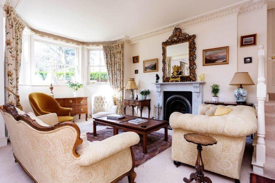 Lingfield Road Accommodation - Wimbledon, West London
