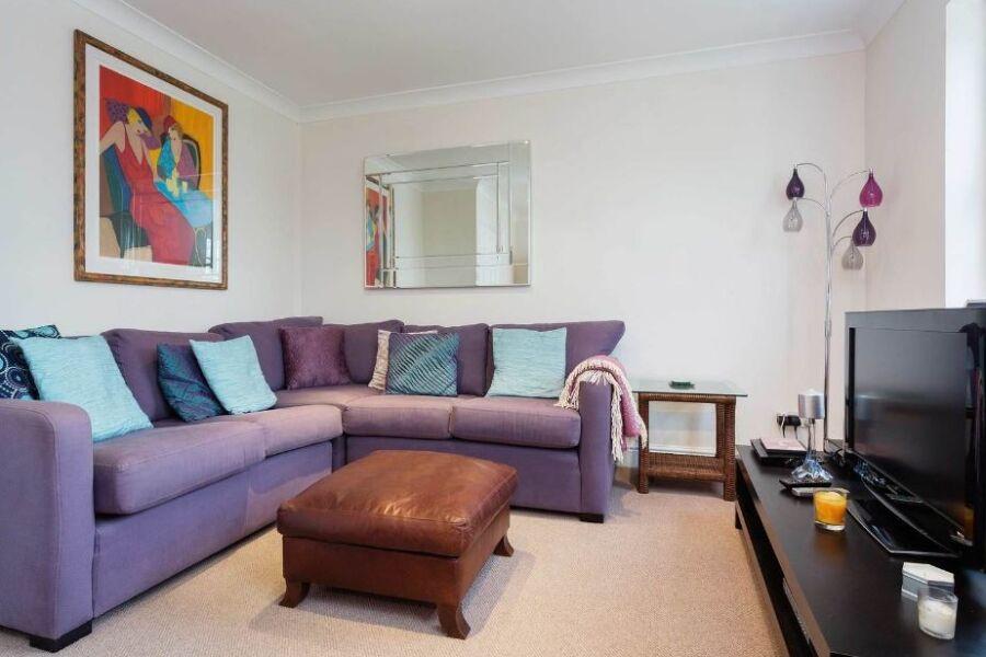 Rydon Mews Accommodation - Wimbledon, West London