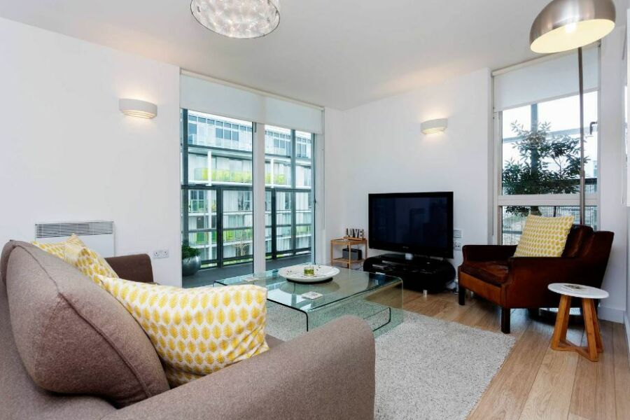 Chadwell Lane Apartment - Hornsey, North London