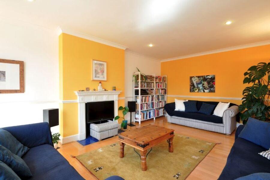 Greencroft Gardens Apartment - Hampstead, North London