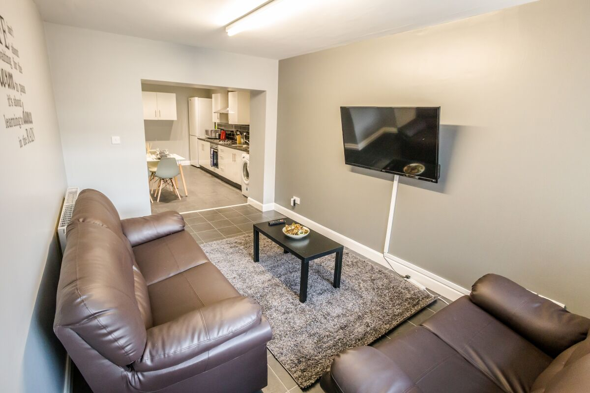 Living Area, The Woolpack Serviced Apartment, Huddersfield
