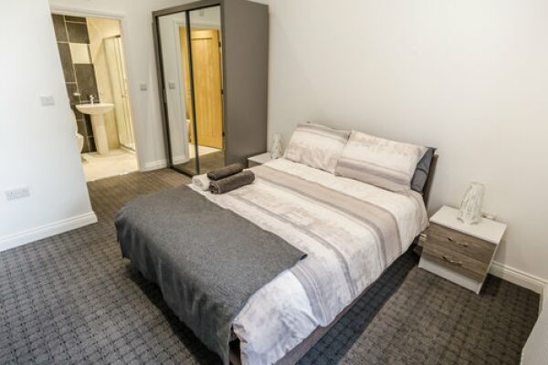 Bedroom, Apollo Serviced Apartments, Huddersfield