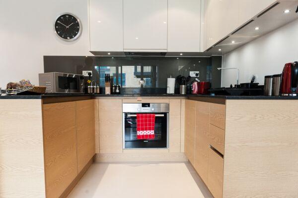 Kitchen, Riverside Marlowe Serviced Apartment, Cambridge