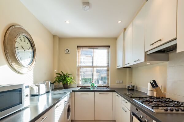 Kitchen, New Street House Serviced Accommodation, Cambridge