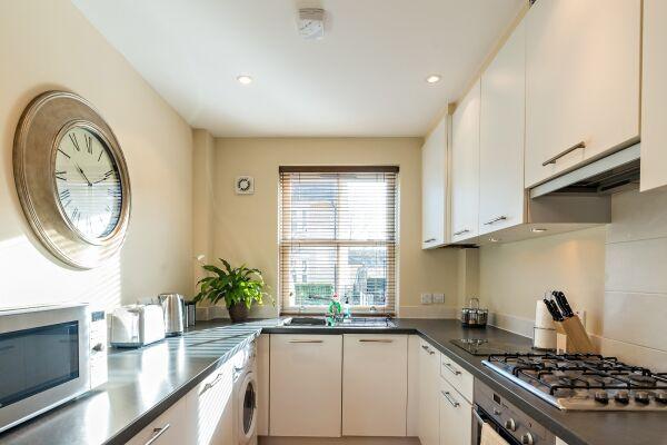 Kitchen, New Street House Serviced Accommodation, Cambridge