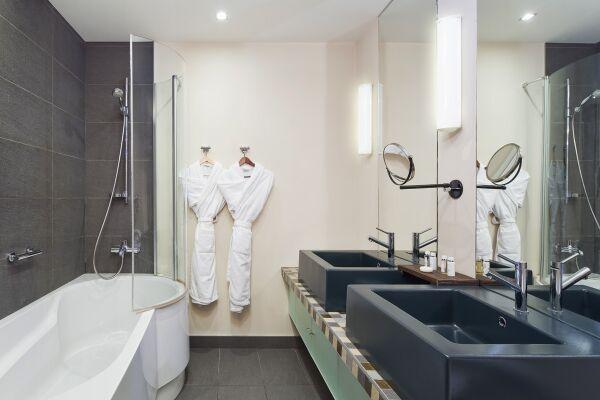 Bathroom, Pokrovka Serviced Apartments, Moscow