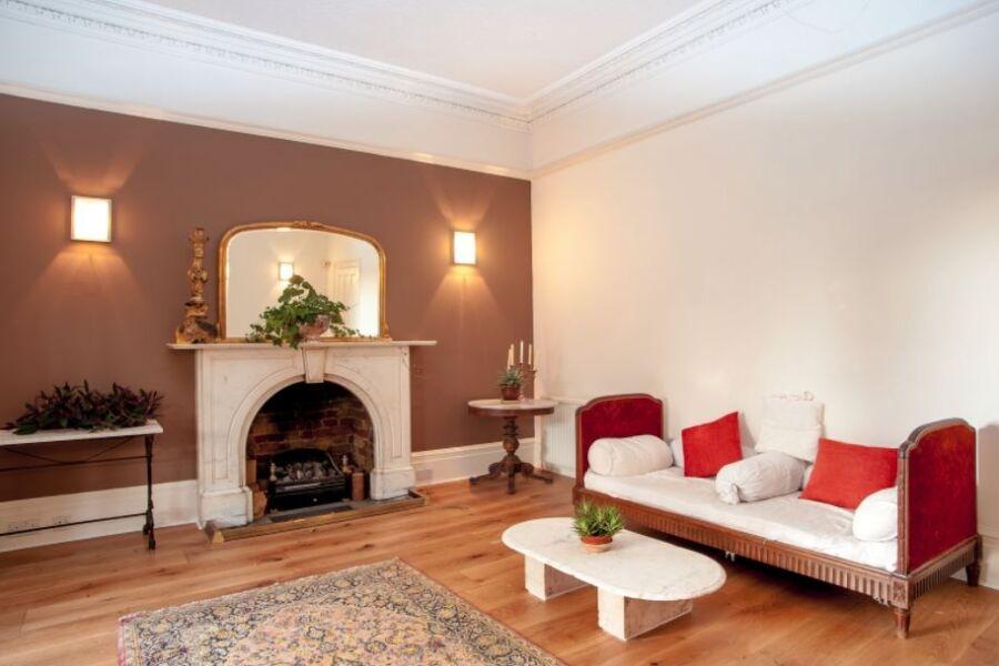 Arterberry Apartment - Wimbledon, West London