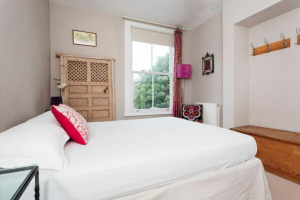Bedroom, Woodsome Road Serviced Apartments, Highgate, London