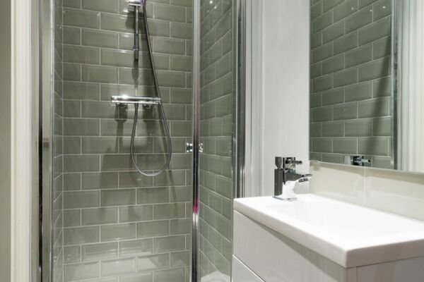 Bathroom, Woodsome Road Serviced Apartments, Highgate, London