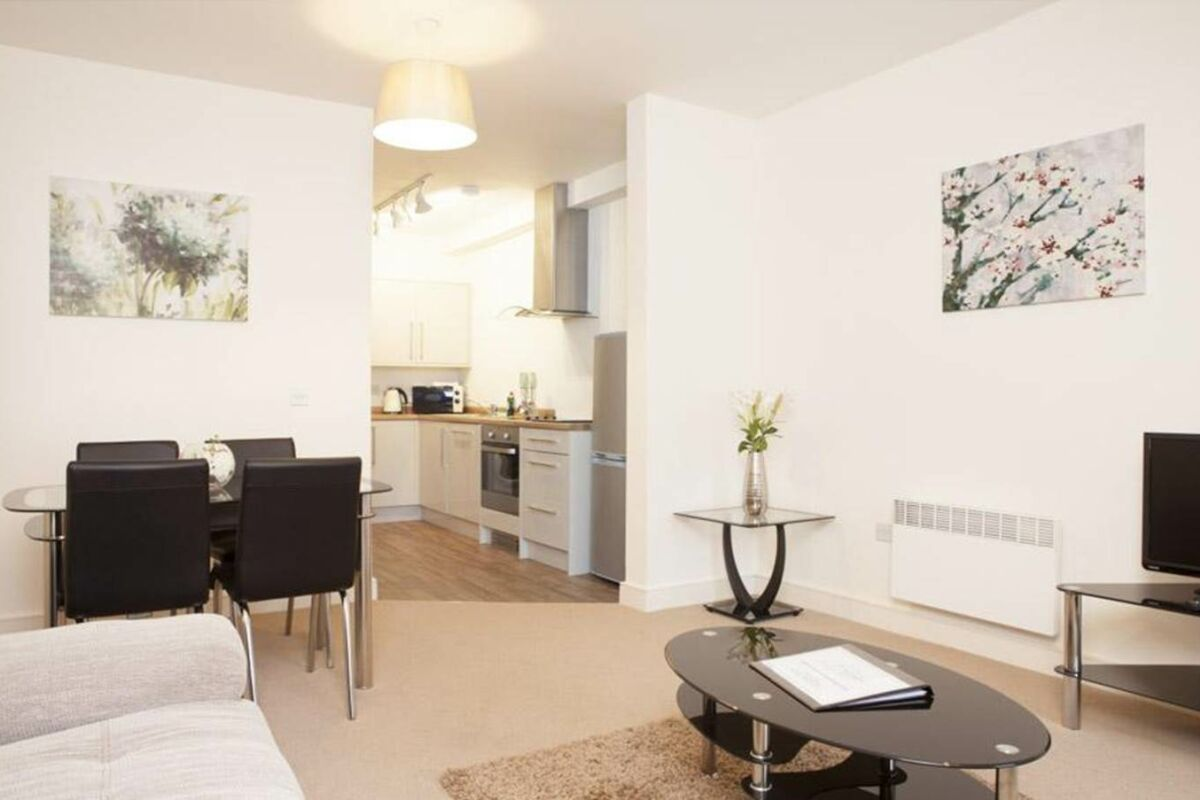Living Area, The Coliseum Serviced Apartments, Cheltenham