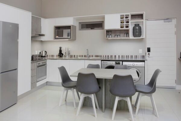 Kitchen, Bath Avenue Serviced Apartments, Johannesburg