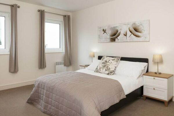 Bedroom, The Coliseum Serviced Apartments, Cheltenham