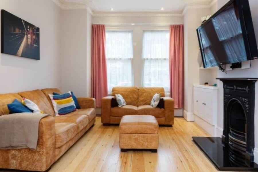 Merton Hall Accommodation - Wimbledon, West London