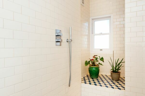 Bathroom, Mercers Road Serviced Accommodation, Tufnell Park, London