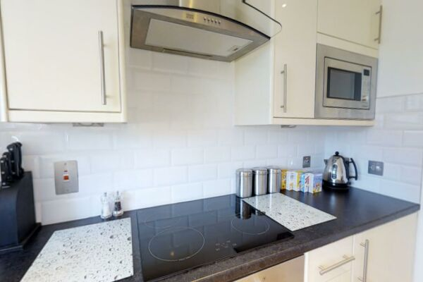 Kitchen, Coronation House Serviced Accommodation, Cambridge