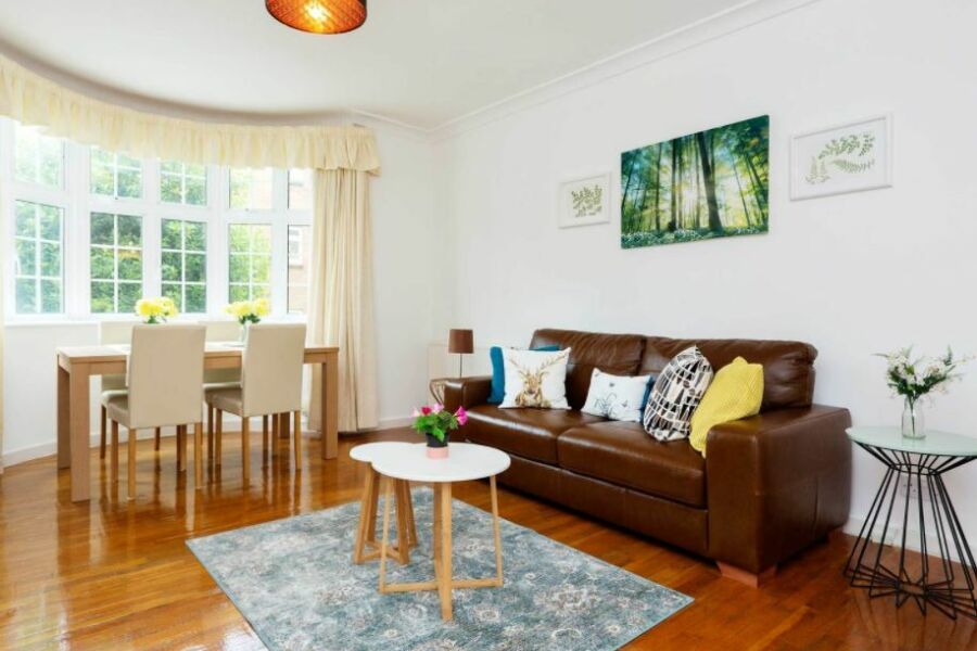 Thaxted Place Apartment - Wimbledon, West London